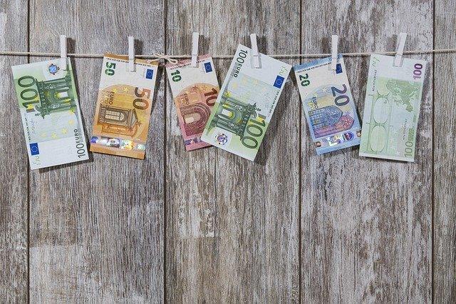 Mit 5 Tagesgeldkonten die Finanzen optimieren.