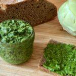 Kohlrabi-Blätter-Pesto zu Nudeln, aufs Brot oder als Dip